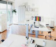 Bild Kontorsmöbler i vitt