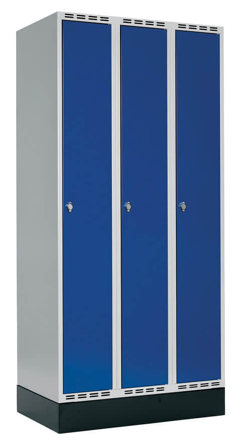Klädskåp 3 dörrar, B900 mm