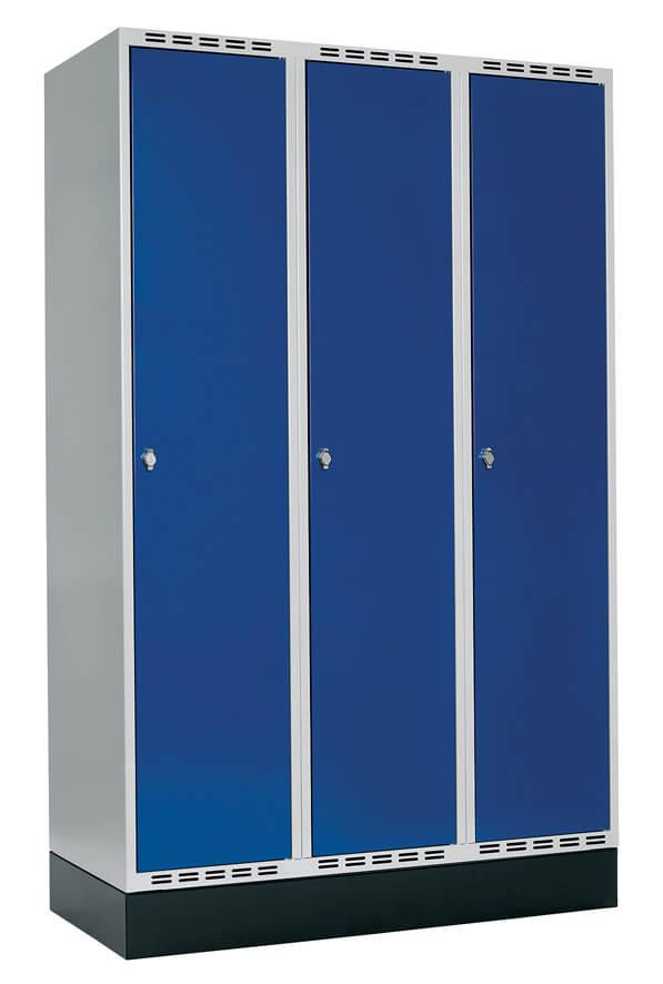 Klädskåp 3 dörrar, B1200 mm